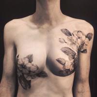 Η τέχνη του τατουάζ γίνεται ομορφότερη στο στήθος εγχειρισμένων γυναικών
