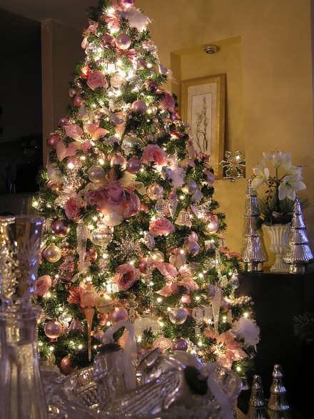 floral-christmas-tree-decorating-ideas-33__605
