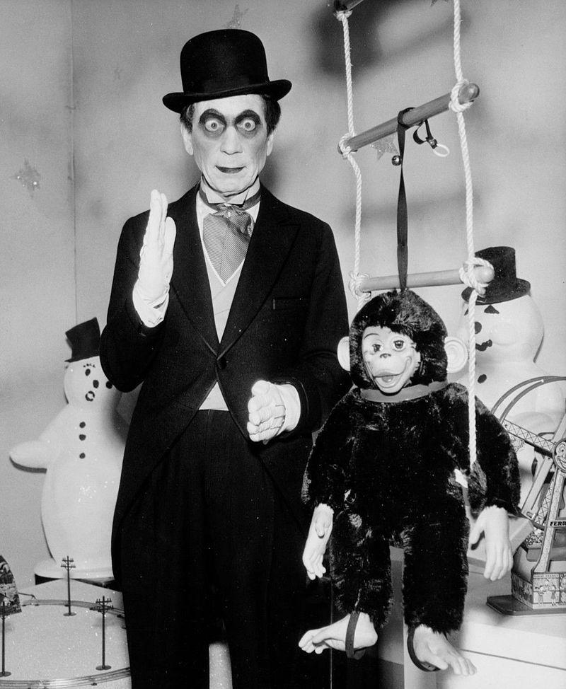 Harpo_Marx_Silent_Panic_DuPont_Show_1960